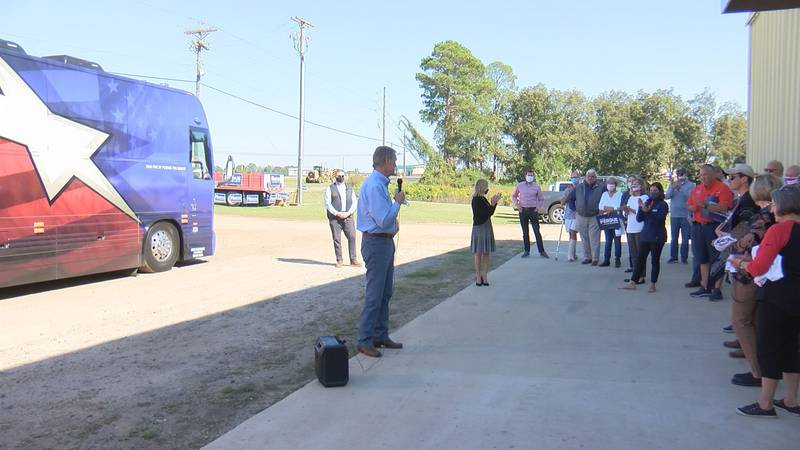 Senator David Perdue's campaign bus stopped in Tifton Saturday afternoon.