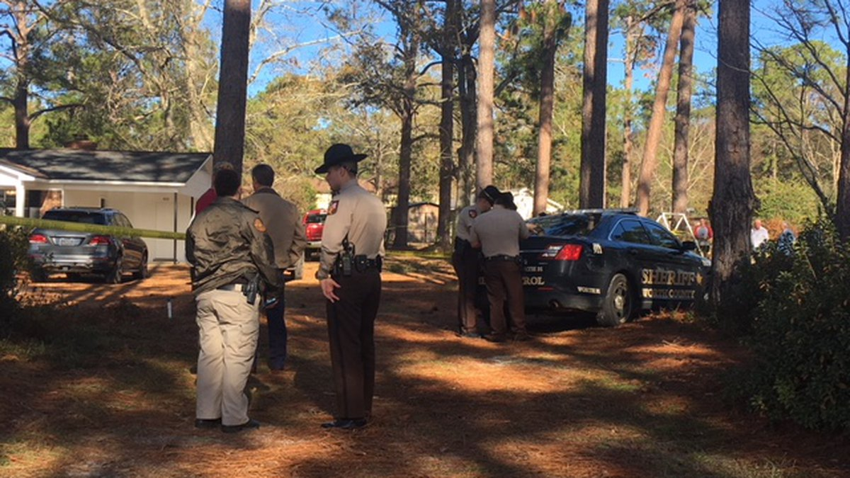 An active scene is underway for a shots fired call in Poulan. (Source: WALB)
