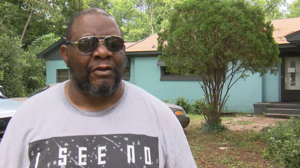 Kenneth Washington said his dog died during the fire