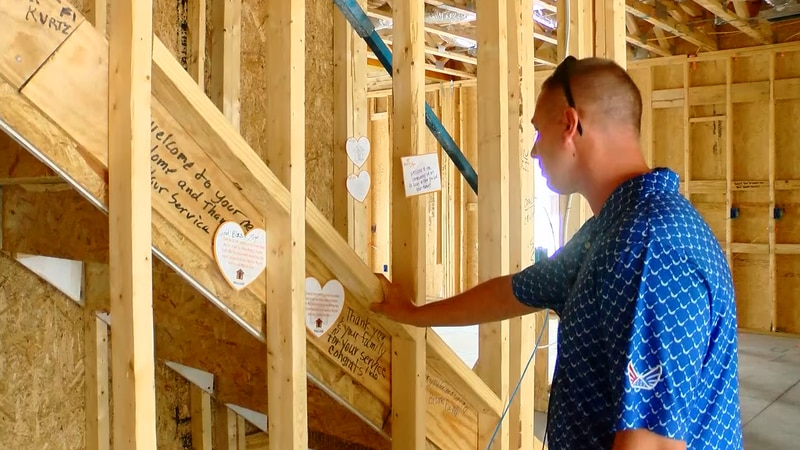 Neighbors leave 'Notes of Love' inside construction site, showing appreciation for retired...
