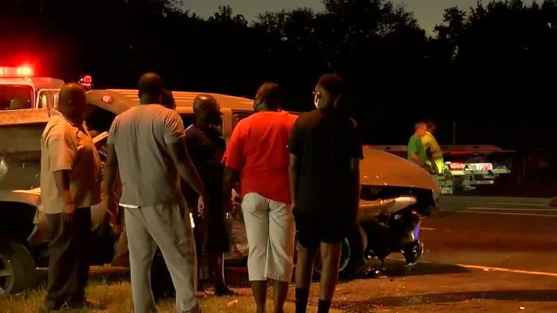 1 killed, 1 injured in Albany 3-vehicle crash