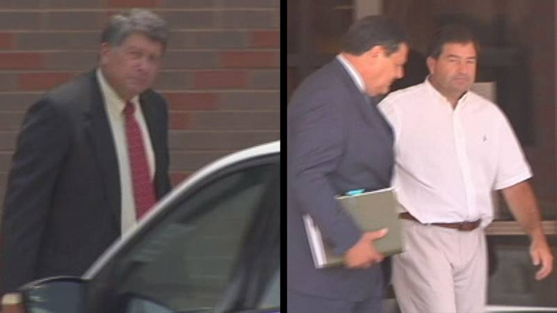 Stewart (left) and Michael (right in white shirt) Parnell during the salmonella outbreak trial.