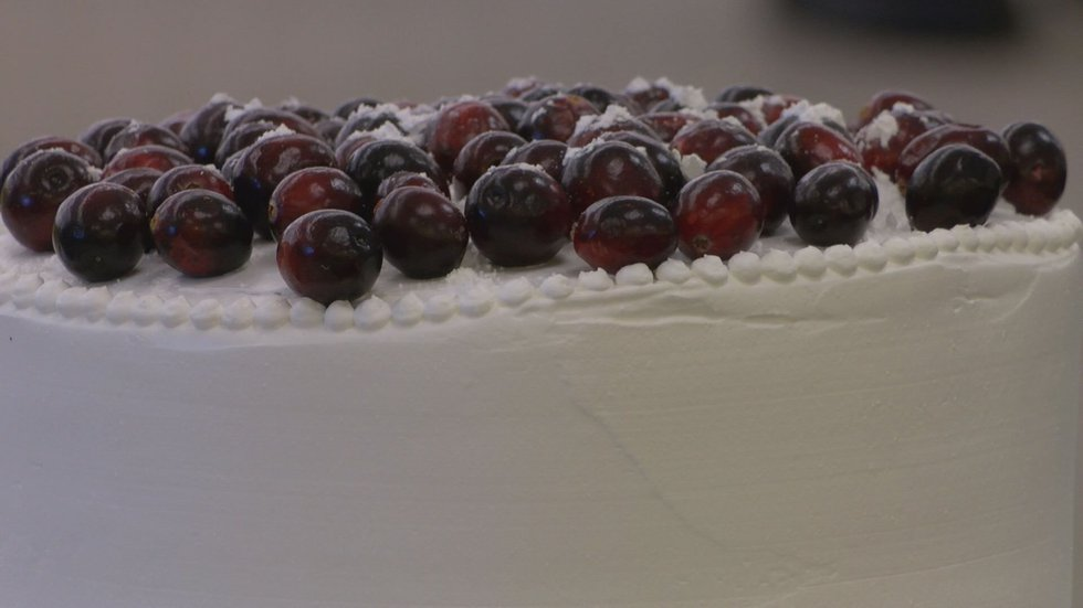 The wedding cake was even decorated with cranberries. (Source:WALB)