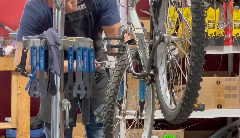 Valdosta Bike Center partners with VPD to donate bikes.