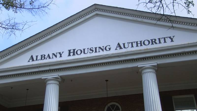 Albany Housing Authority building (Source: WALB)