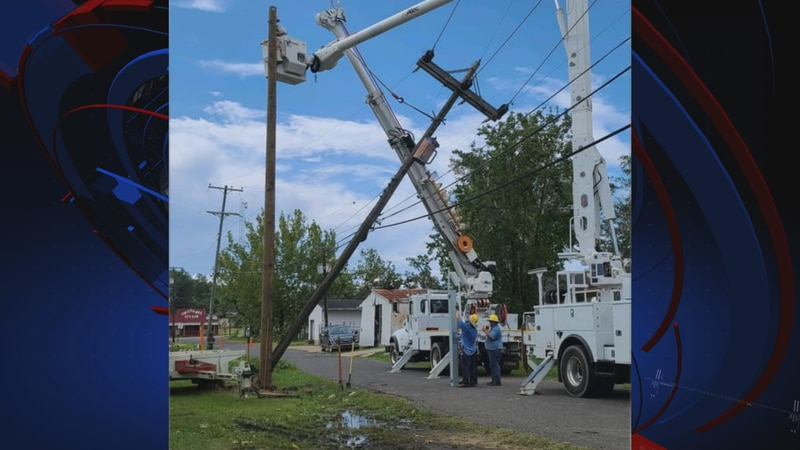 A team of Georgia linemen from Thomasville, Calhoun and Griffin have been staged in Louisiana...
