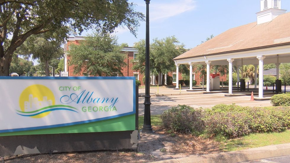Officials at Albany Utilities say they are experiencing a shortage of lineman within the company.