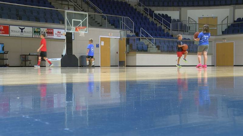 GSW Men's Basketball Hosts Youth Camp
