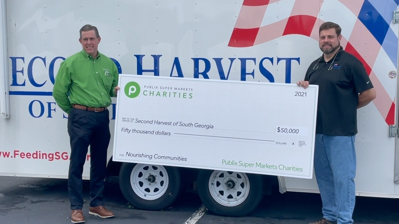 Publix Charities donates check to Second Harvest of South Georgia.