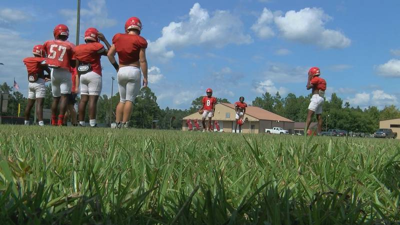 Panthers prep for kickoff during practice